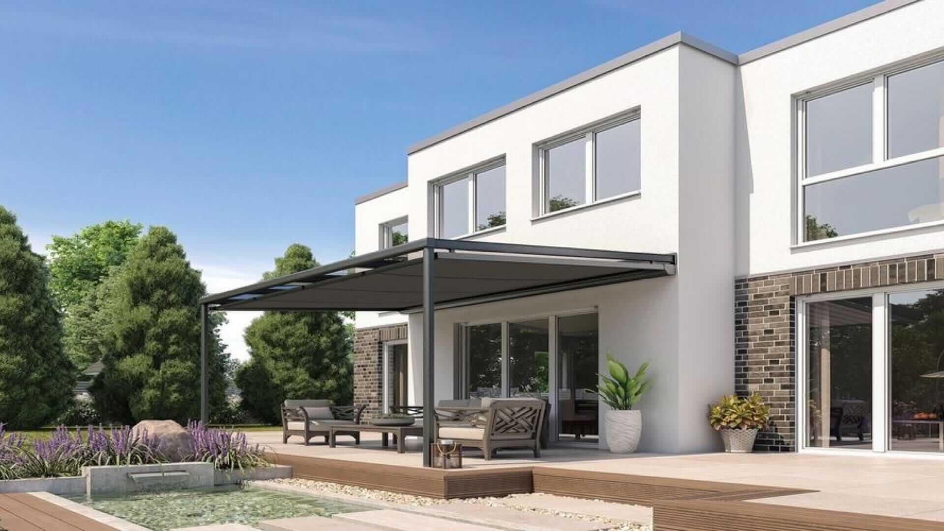 Sonnenschutz im Garten – Terrassenüberdachung im 5-Seen-Land